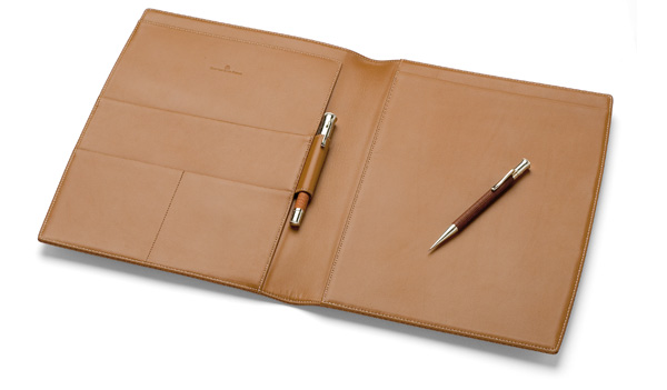 GRAFVONFABERCASTELL_DeskAccessories_Writing_Case_A4_Size_Black_Brown_Grained