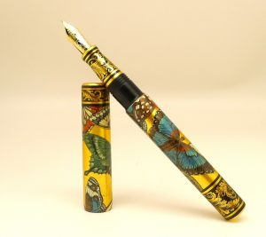 Phoenix Lacquer Art Golden Butterflies fountain pen in stylish display