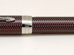 Parker Duofold Prestige Burgundy Chevron Fountain Pen with 18K gold nib