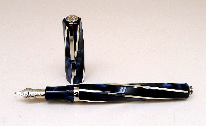 Visconti Divina Elegance Fountain Pen